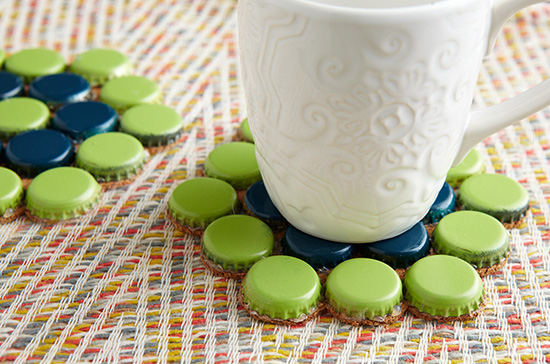 20 Ingenious Bottle Cap Crafts That Will Surprise You With a Smile homesthetics decor (6)