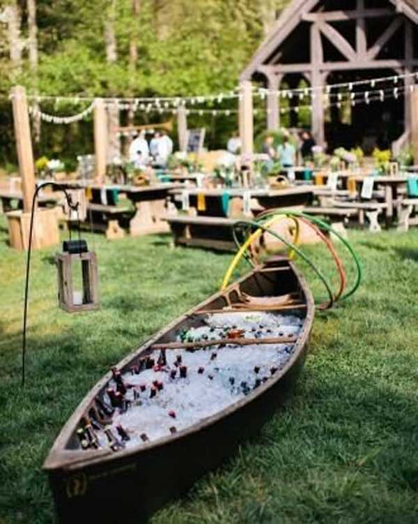 20 Simply Charming and Smart Unique Outdoor Wedding Bar Ideas Worth Trying homesthetics decor (26)