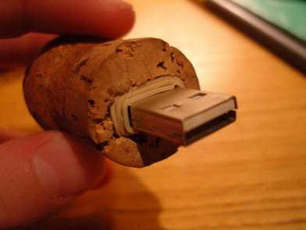 22 Truly Creative DIY Wine Cork Projects That You Will Simply Adore homesthetics decor (6)