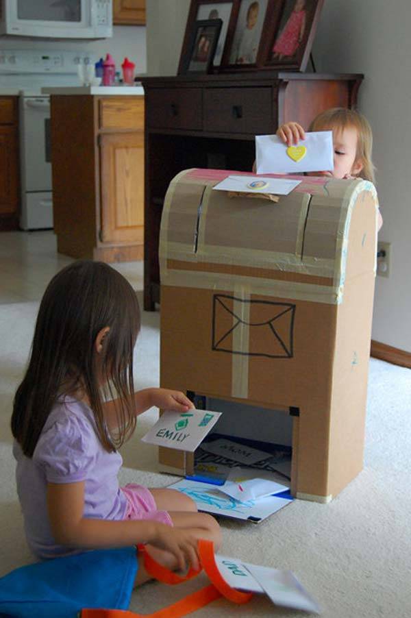 27 Ideas on How to Use Cardboard Boxes for Kids Games and Activities DIY Projects homesthetics diy cardboard projects (18)