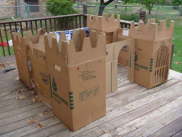 27 Ideas on How to Use Cardboard Boxes for Kids Games and Activities DIY Projects homesthetics diy cardboard projects (21)