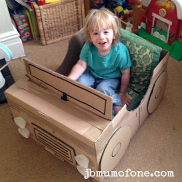 27 Ideas on How to Use Cardboard Boxes for Kids Games and Activities DIY Projects homesthetics diy cardboard projects (22)