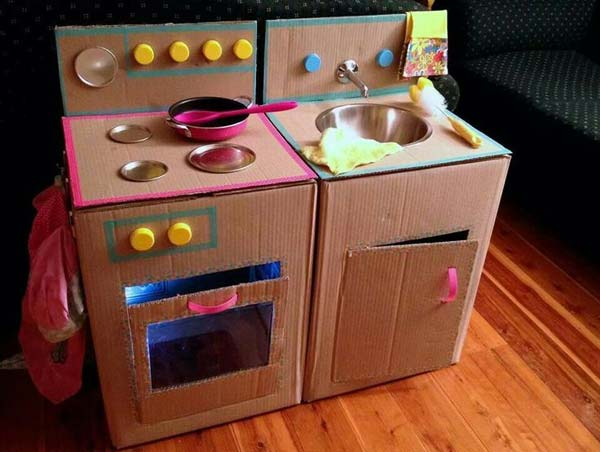 27 Ideas on How to Use Cardboard Boxes for Kids Games and Activities DIY Projects homesthetics diy cardboard projects (26)