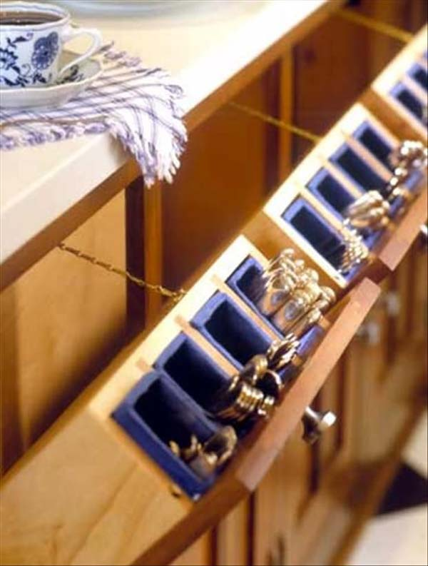 27 Ingenious DIY Cutlery Storage Solution Projects That Will Declutter Your Kitchen homesthetics storage ideas (12)
