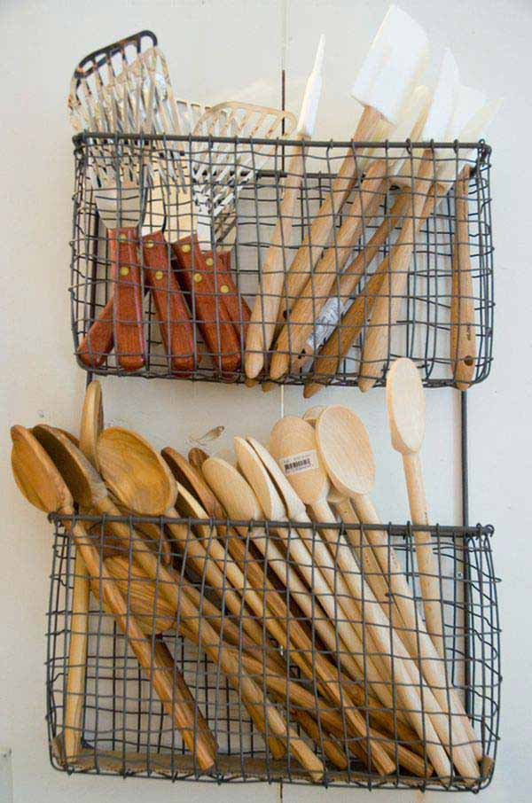 27 Ingenious DIY Cutlery Storage Solution Projects That Will Declutter Your Kitchen homesthetics storage ideas (18)