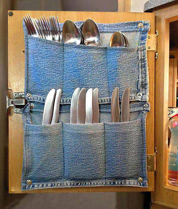 27 Ingenious DIY Cutlery Storage Solution Projects That Will Declutter Your Kitchen homesthetics storage ideas (28)