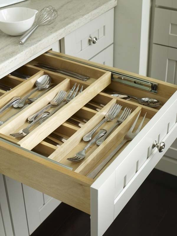 27 Ingenious DIY Cutlery Storage Solution Projects That Will Declutter Your Kitchen homesthetics storage ideas (30)