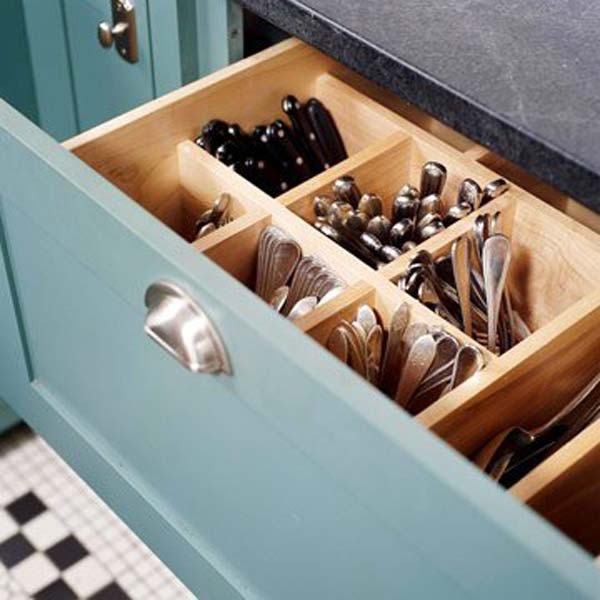 27 Ingenious DIY Cutlery Storage Solution Projects That Will Declutter Your Kitchen homesthetics storage ideas (9)