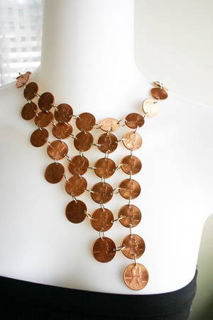 35 Extraordinary Beautiful DIY Penny Projects With a Shinny Copper Vibe homesthetics decor (32)