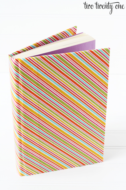 DIY Cheap And Creative Fabric Covered Books (11)