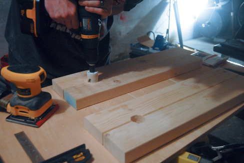 How To Build A DIY Patio Table With Built-in BeerWine Coolers-homesthetics (22)