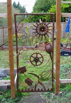 Insanely Beautiful DIY Upcycled Garden Gates That You Will Simply Adore homesthetics recycling windows and doors (11)