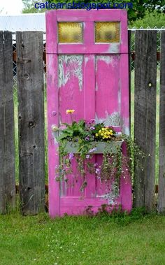 Insanely Beautiful DIY Upcycled Garden Gates That You Will Simply Adore homesthetics recycling windows and doors (12)