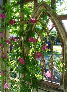 Insanely Beautiful DIY Upcycled Garden Gates That You Will Simply Adore homesthetics recycling windows and doors (6)