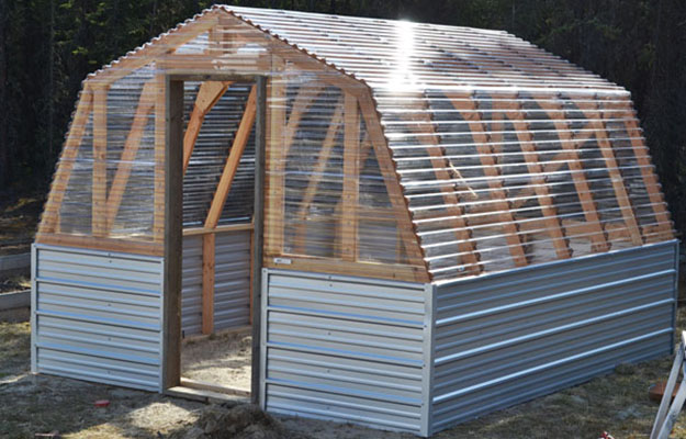 Learn How to Build a Green House With This 7 Tutorials and Transform Your Backyard homesthetics decor (12)