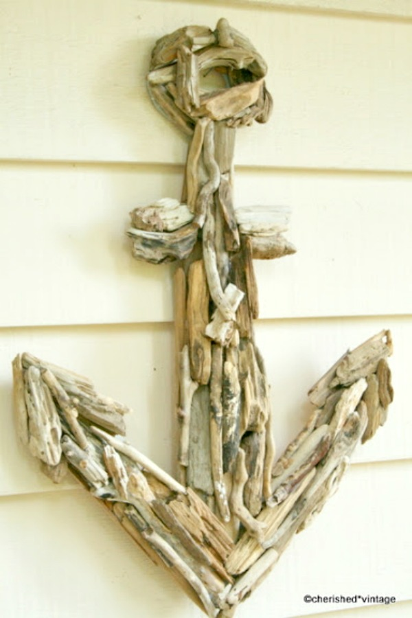 15 Beautiful and Sensible Driftwood Crafts For a Shabby Chic Home homesthetics decor ideas (3)