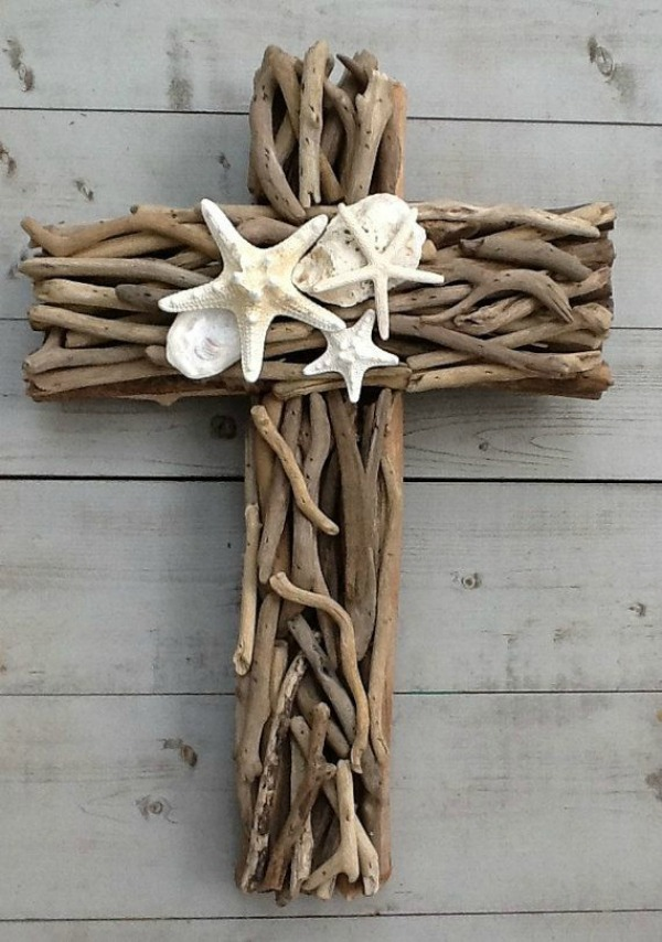 15 Beautiful And Sensible Driftwood Crafts For A Shabby