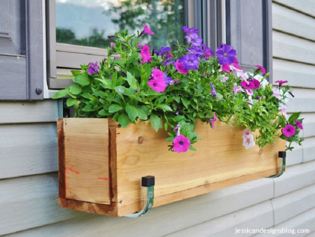 19 Simply Breathtaking Flower Containers Ideas to Accessorize Windows With Greenery