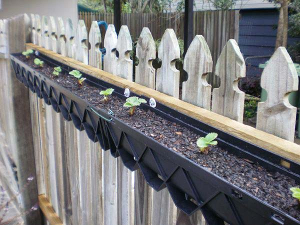 23 Extraordinary Beautiful Ways to Repurpose Rain Gutters in Your Household homesthetics diy projects (20)