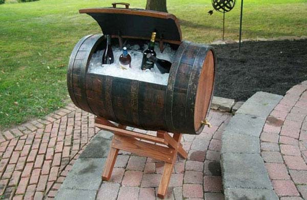 25 Brilliantly Creative DIY Projects Reusing Old Wine Barrels homesthetics decor ideas (2)