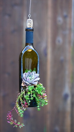 26 Wine Bottle Crafts To Surprise Your Guests Beautifully homeshetics decor (22)