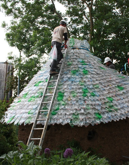 28 Jaw-Dropping Ways to Reuse Plastic Bottles Beautifully (5)