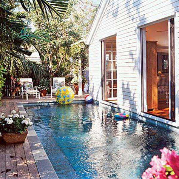 28 Mindbogglingly Alluring Small Backyard Designs Beautified by Swimming Pools homesthetics backyard (12)