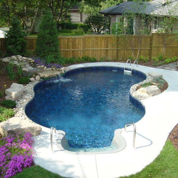 28 Mindbogglingly Alluring Small Backyard Designs Beautified by Swimming Pools homesthetics backyard (16)