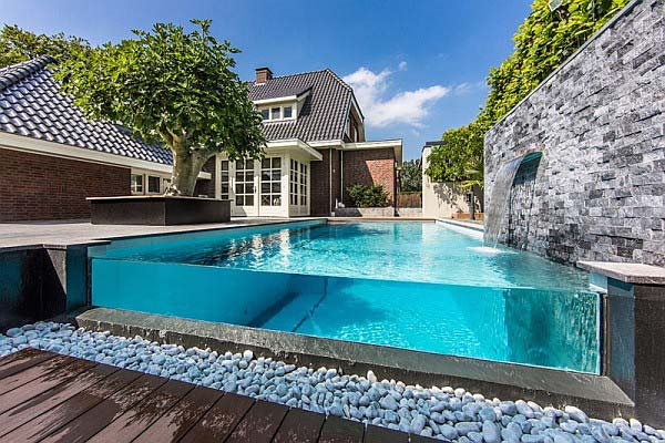 28 Mindbogglingly Alluring Small Backyard Designs Beautified by Swimming Pools homesthetics backyard (24)