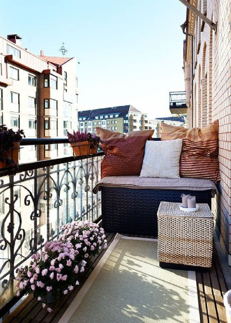 53 Mindblowingly Beautiful Balcony Decorating Ideas to Start Right Away homesthetics.net decor ideas (16)
