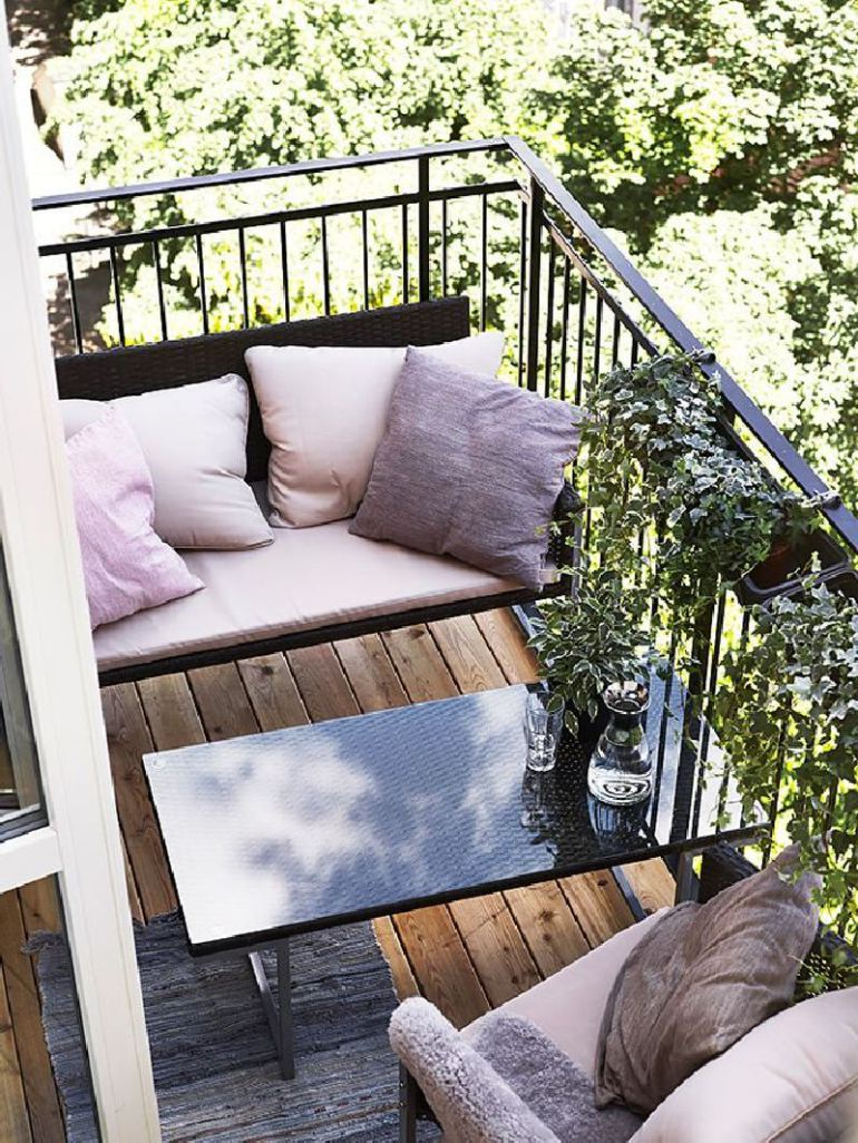 53 mindblowingly beautiful balcony decorating ideas to for Patio furniture for narrow balcony