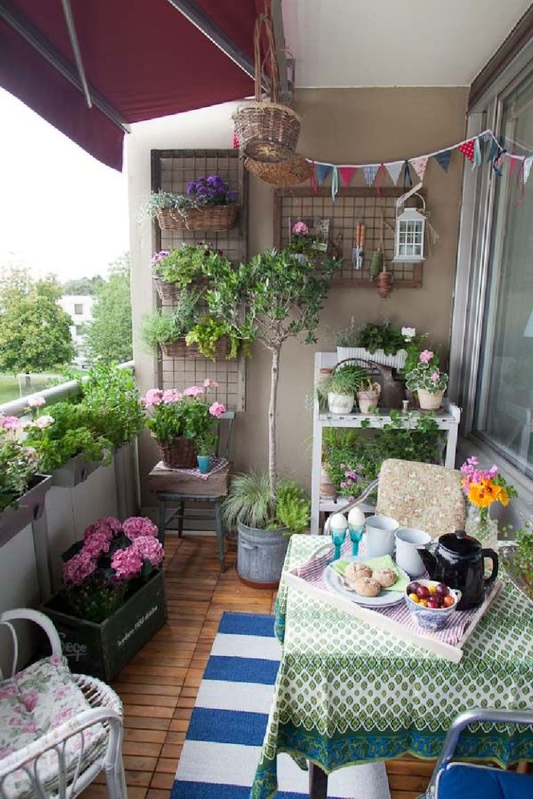 53 mindblowingly beautiful balcony decorating ideas to for Decoracion de terrazas rusticas