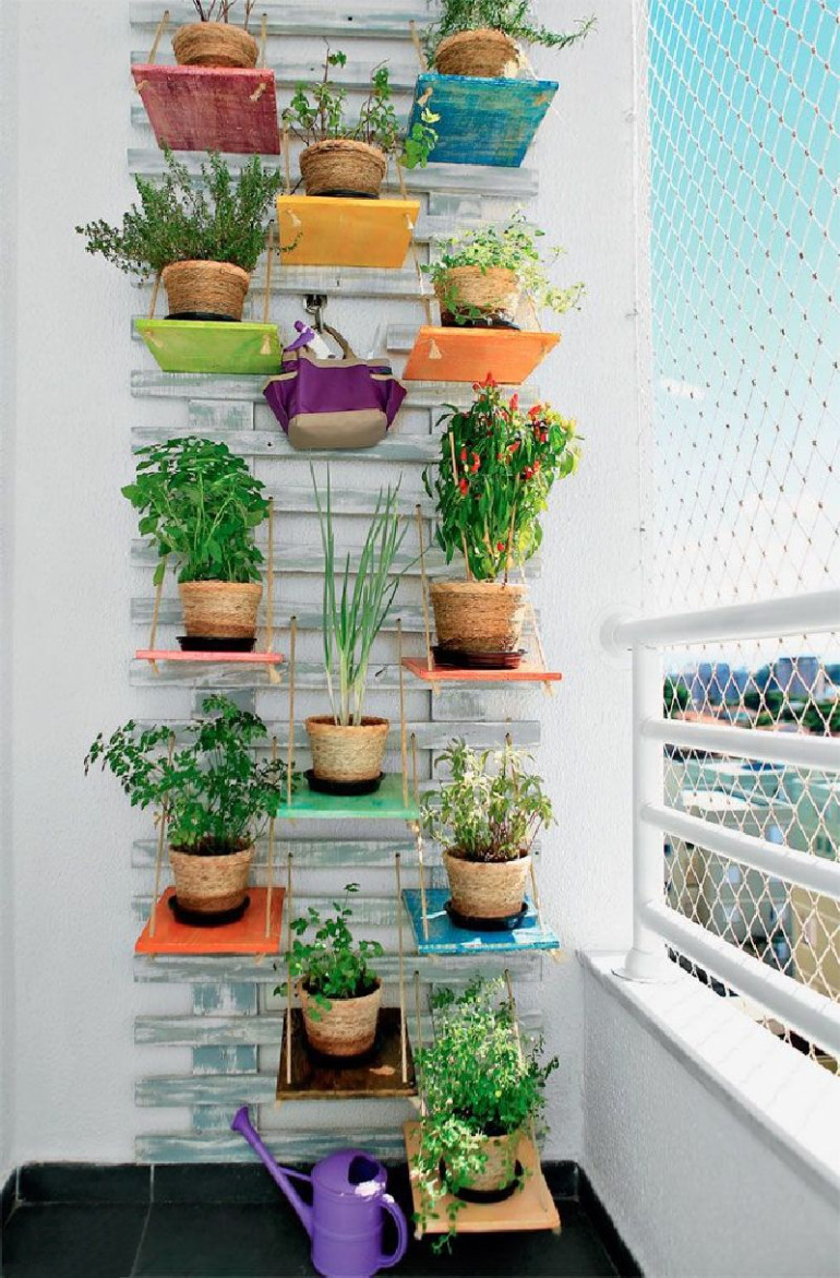 53 Mindblowingly Beautiful Balcony Decorating Ideas to Start Right Away homesthetics.net decor ideas (42)