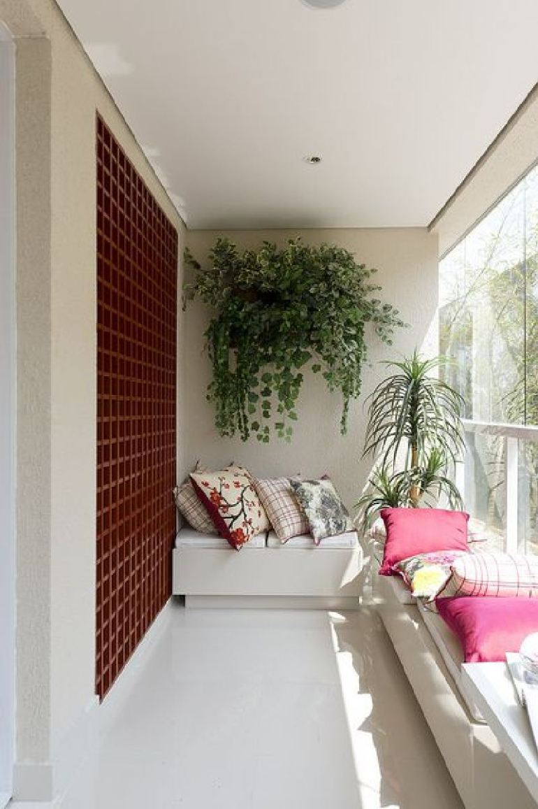 53 Mindblowingly Beautiful Balcony Decorating Ideas to Start Right Away homesthetics.net decor ideas (44)