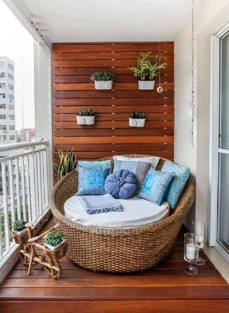 53 Mindblowingly Beautiful Balcony Decorating Ideas to Start Right Away homesthetics.net decor ideas (46)