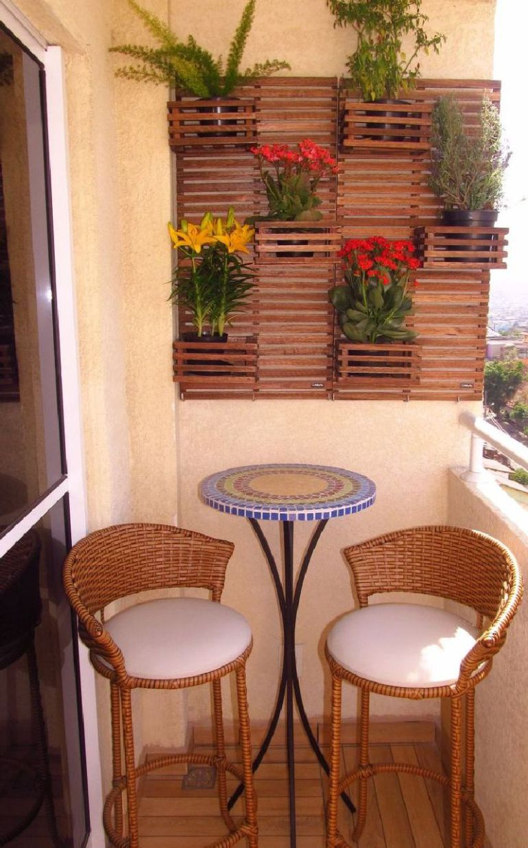 53 Mindblowingly Beautiful Balcony Decorating Ideas to Start Right Away homesthetics.net decor ideas (50)