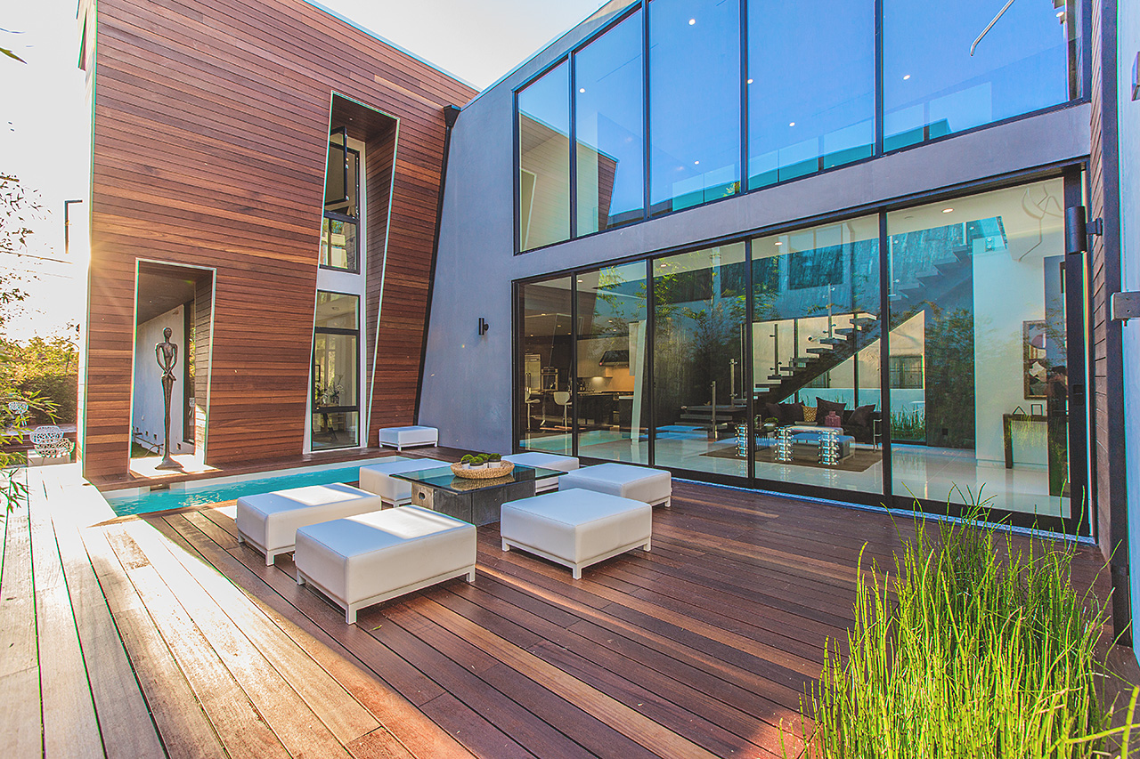 High-End Modern Mansion by Amit Apel Architecture Located in Los Angeles, CA homesthetics decor (10)
