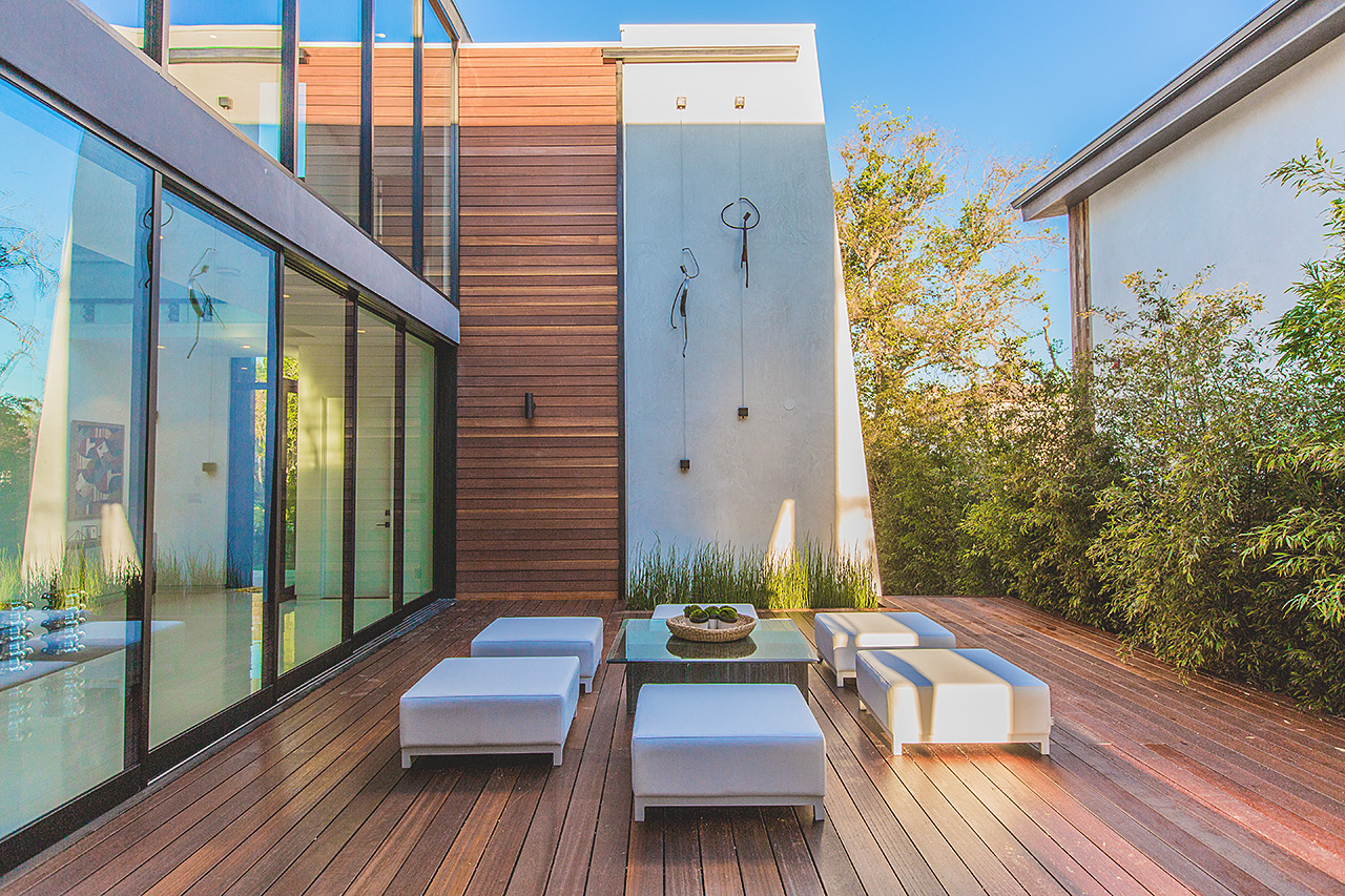 High-End Modern Mansion by Amit Apel Architecture Located in Los Angeles, CA homesthetics decor (14)