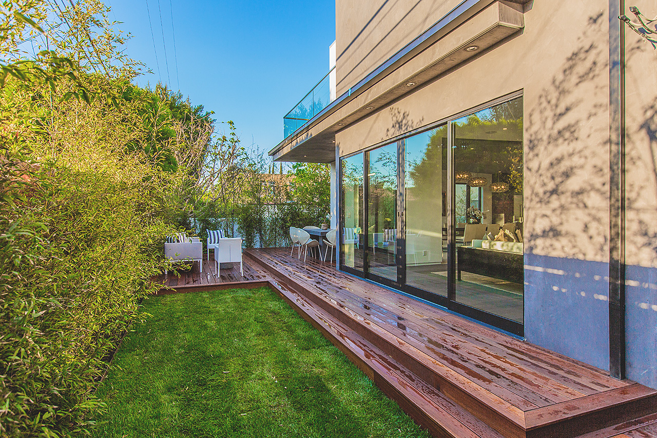 High-End Modern Mansion by Amit Apel Architecture Located in Los Angeles, CA homesthetics decor (7)