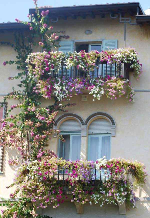 Inspiration Pack Containing 23 of the World`s Most Beautifully Flowered Balcony Gardens homesthetics decor ideas (22)