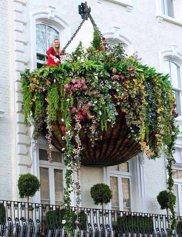 Inspiration Pack Containing 23 of the World`s Most Beautifully Flowered Balcony Gardens homesthetics decor ideas (23)