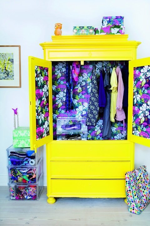 Paint Your World With Yellow Furniture projects-www.homesthetics (36)