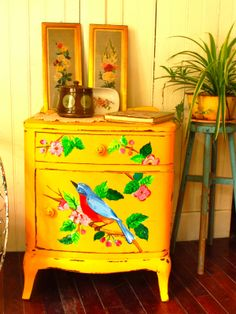 Paint Your World With Yellow Furniture projects-www.homesthetics (49)