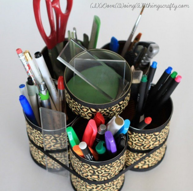 14 Smart Ways to Store and Organize Your Desk in DIY Projects homesthetics diy desk organzing ideas (3)