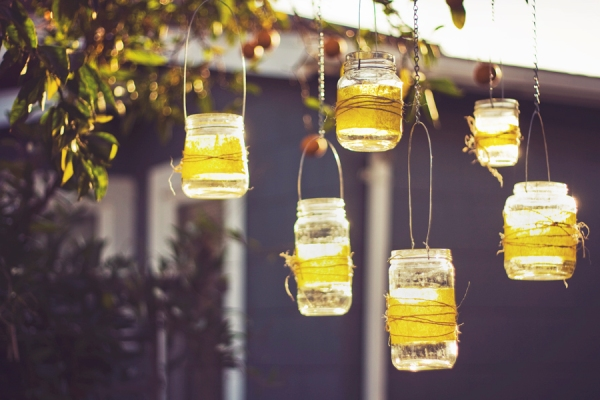 16 DIY Magical Outdoor Lighting Solutions for Your Backyard - homesthetics decor (12)