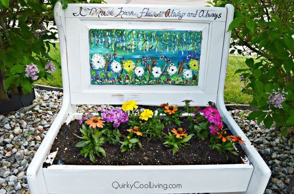 19 of The Worlds Best Ways to Repurpose Old Furniture in Your Garden homesthetics backyard landscaping (12)