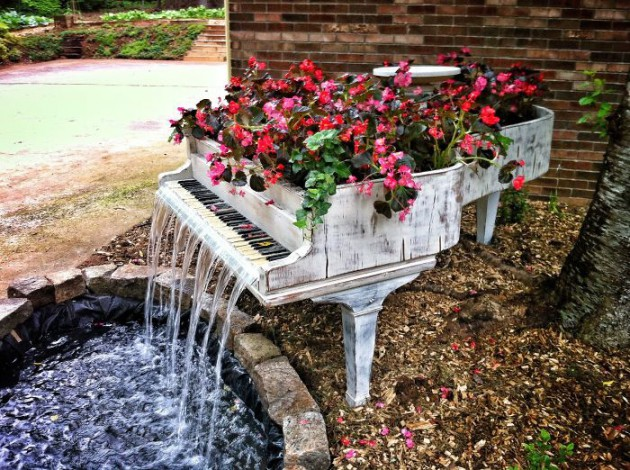 19 of The Worlds Best Ways to Repurpose Old Furniture in Your Garden homesthetics backyard landscaping (2)