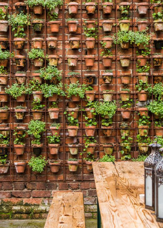21 Simply Beautitful DIY Vertical Garden Projects That Will Transform Your Design homesthetics design (3)
