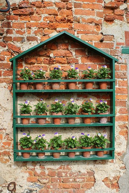 21 Simply Beautitful DIY Vertical Garden Projects That Will Transform Your Design homesthetics design (8)