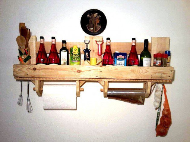22 Simply Clever Homemade Pallet Furniture Designs To Start Right Now homesthetics wooden pallets diy projects (11)